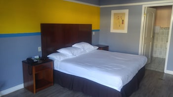 Picture of Riviera Motel in Anaheim