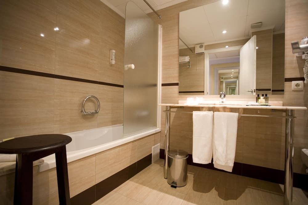 Двухместный номер с 1 или 2 кроватями, вид на море - Ванная комната