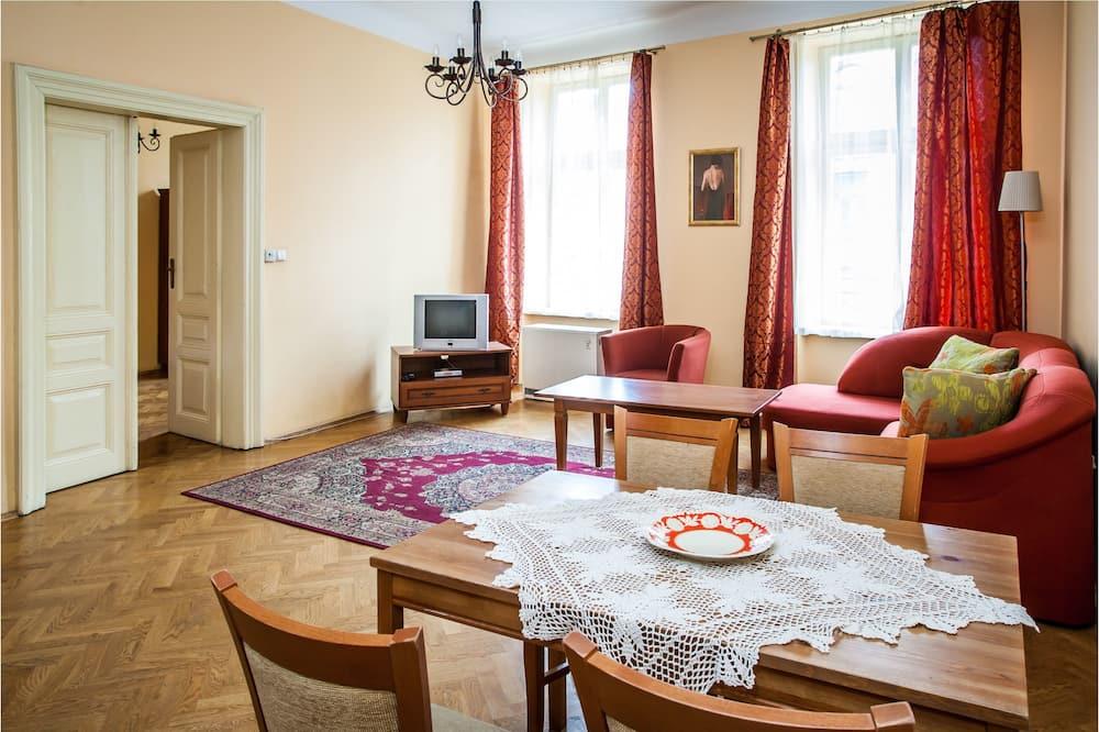 Lejlighed (Ada Sari) - Stue