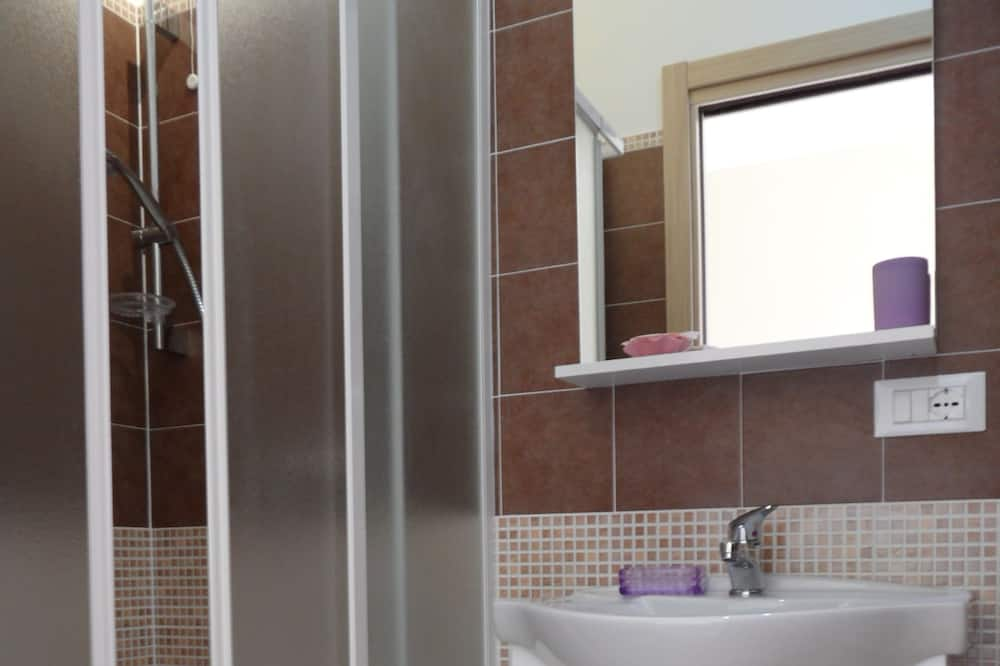 Double Room, Lake View - Bathroom