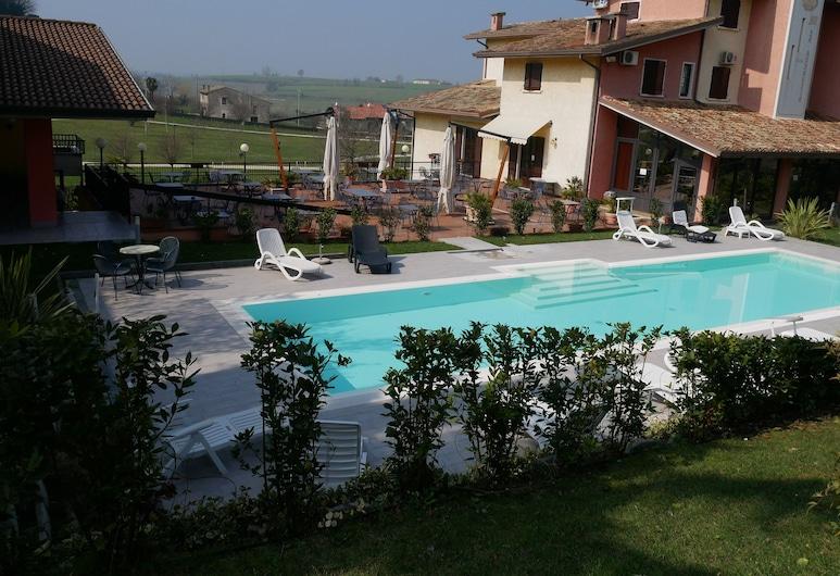 Hotel Il Castello, Pozzolengo, Outdoor Pool