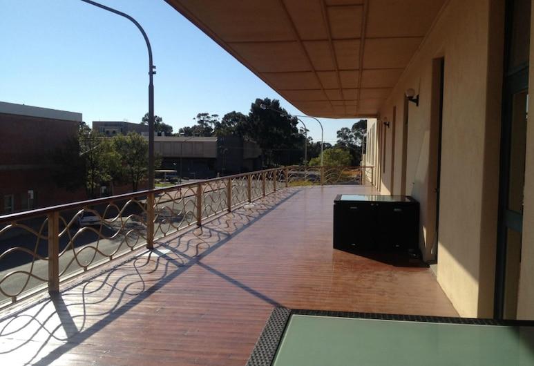 Royal Exchange Hotel, Broken Hill, Deluxe Room, Balcony, Balcony