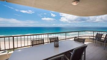 תמונה של Norfolk Luxury Beachfront Apartments בMain Beach