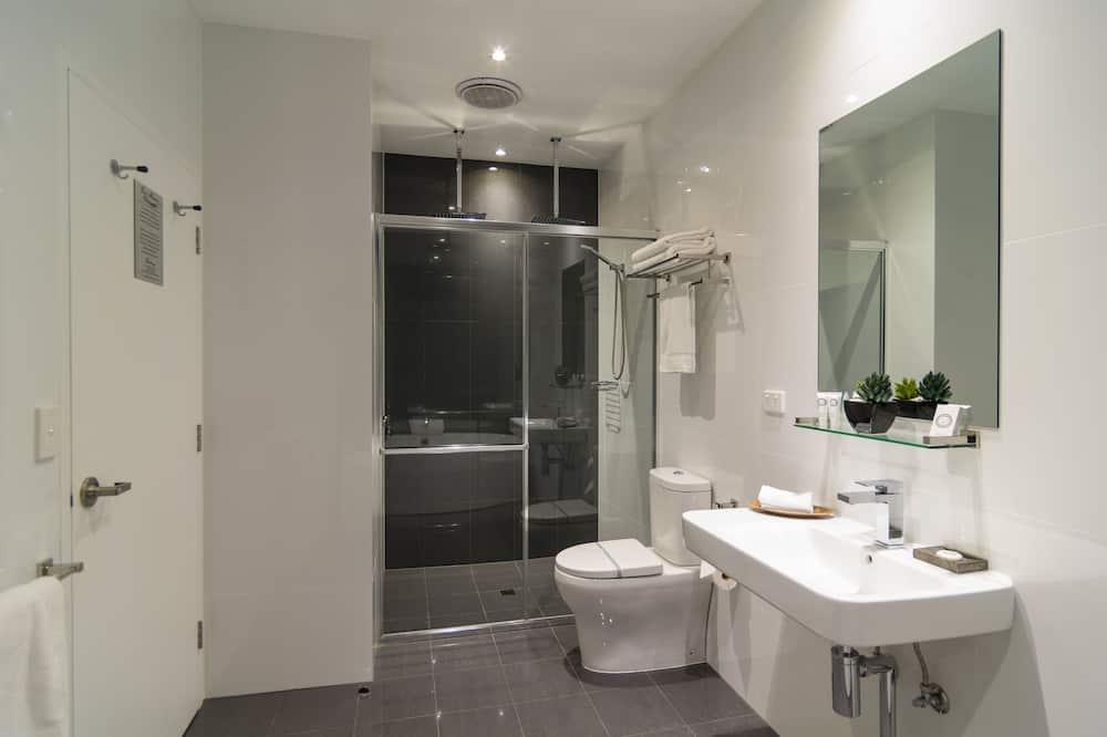 Spa Apartment - Bathroom