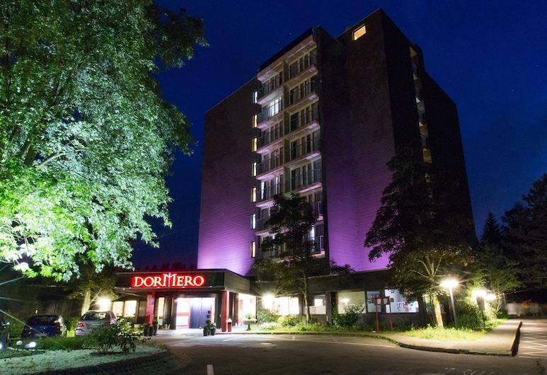 DORMERO Hotel Freudenstadt, Freudenstadt, Entrada del hotel (tarde o noche)
