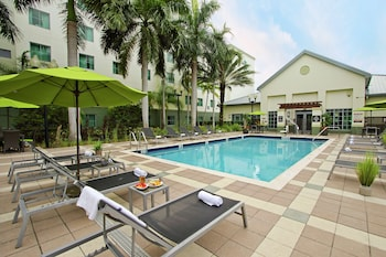 Picture of Homewood Suites by Hilton Ft. Lauderdale Airport-Cruise Port in Fort Lauderdale