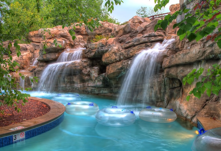 RiverStone Resort & Spa, Pigeon Forge, Pool Waterfall