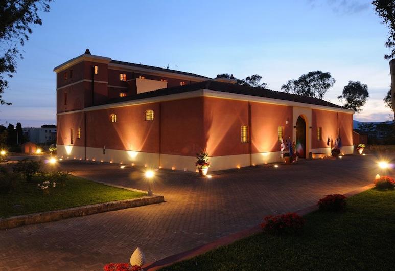 瑪麗亞皮亞別墅酒店, 阿格羅, 酒店入口 - 夜景
