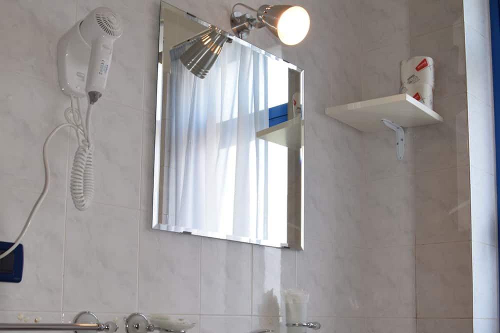 Familienzimmer, Verbindungszimmer - Badezimmer