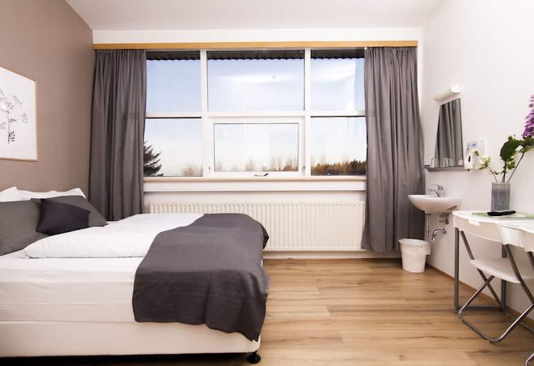 The Capital-Inn, Reykjavík, Standard-herbergi með tvíbreiðu rúmi - sameiginlegt baðherbergi, Herbergi