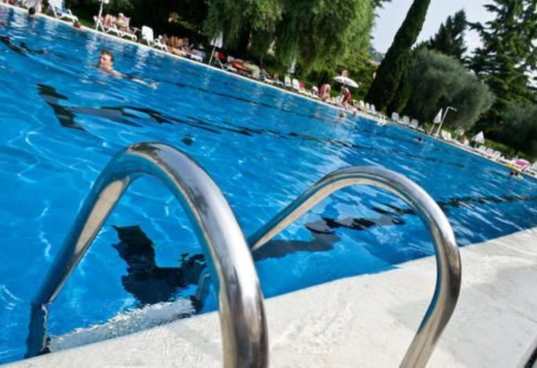 Hotel Palme & Suite, Garda, Outdoor Pool