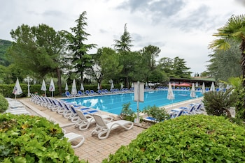 Picture of Hotel Royal in Garda