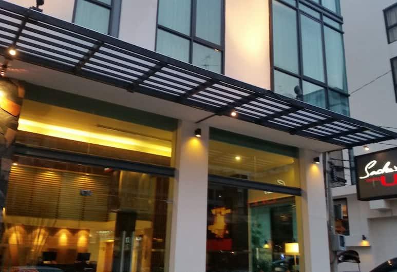 Sacha's Hotel Uno, Бангкок, Вход в отель