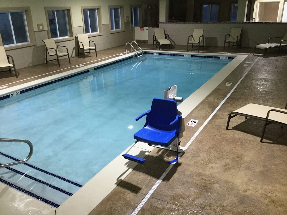 Best Western Plus Crawfordsville Hotel Pool