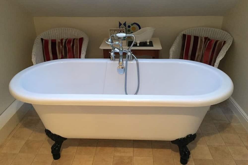 Paaugstināta komforta luksusa numurs, vannasistaba numurā - Vannasistaba