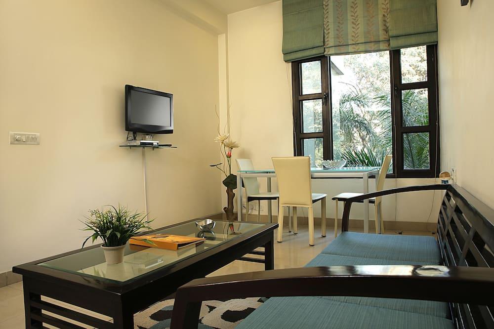 Business Studio, 1 Bedroom, Accessible - Living Area