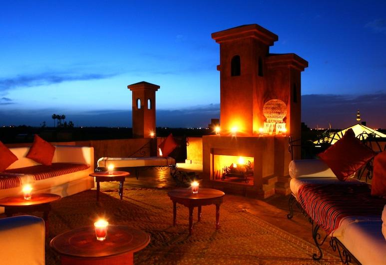 Riad Al Mendili Kasbah Private Resort & Spa, סידי עבדאללה ריאט, ארוחה בחוץ