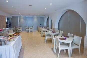 Picture of Hotel Jeni & Restaurant in Mercadal