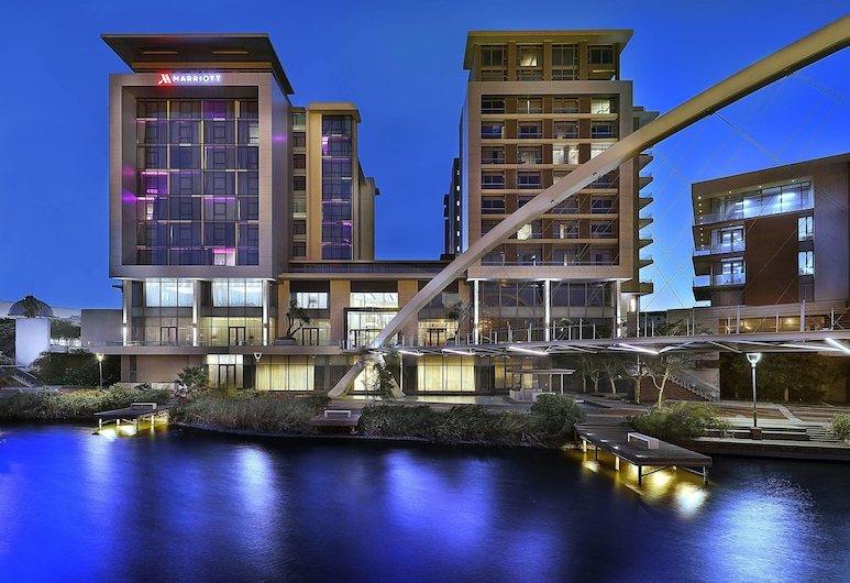 Cape Town Marriott Hotel Crystal Towers, Cape Town, Property Grounds