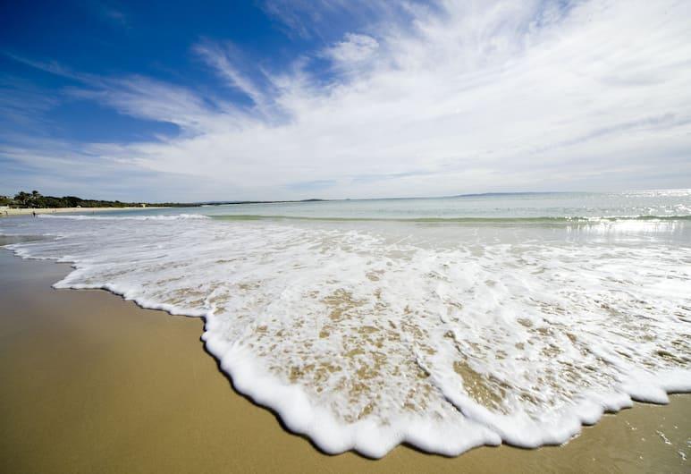 Coral Beach Noosa Resort, Noosaville, Pantai