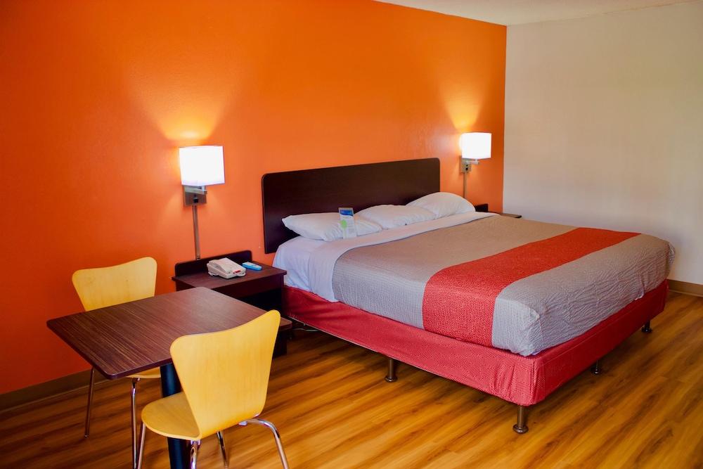 Motel 6 New Stanton Pa