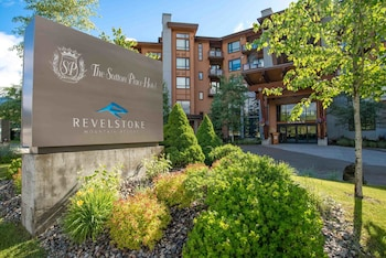 Foto The Sutton Place Hotel Revelstoke Mountain Resort di Revelstoke