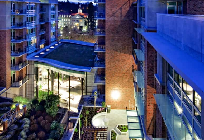The Parkside Hotel & Spa, Victoria, Courtyard