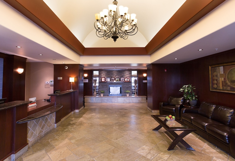 Holiday Inn Express Hotel & Suites WHITECOURT, Whitecourt, Lobby