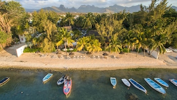 Picture of Hotel Cocotiers in Tombeau Bay