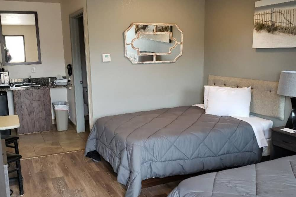 Standard Quadruple Room, Ensuite (2 Double Beds ) - Miscellaneous