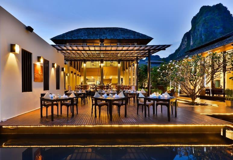 Bhu Nga Thani Resort and Spa, Krabi, Outdoor Dining