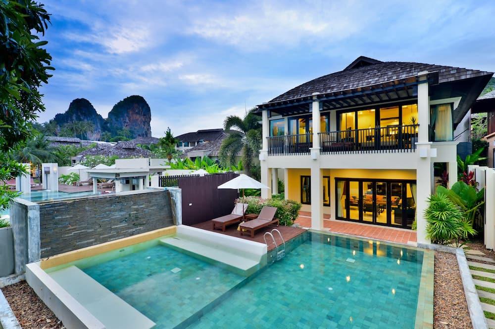 Two-Bedroom Presidential Pool Villa - Guest Room