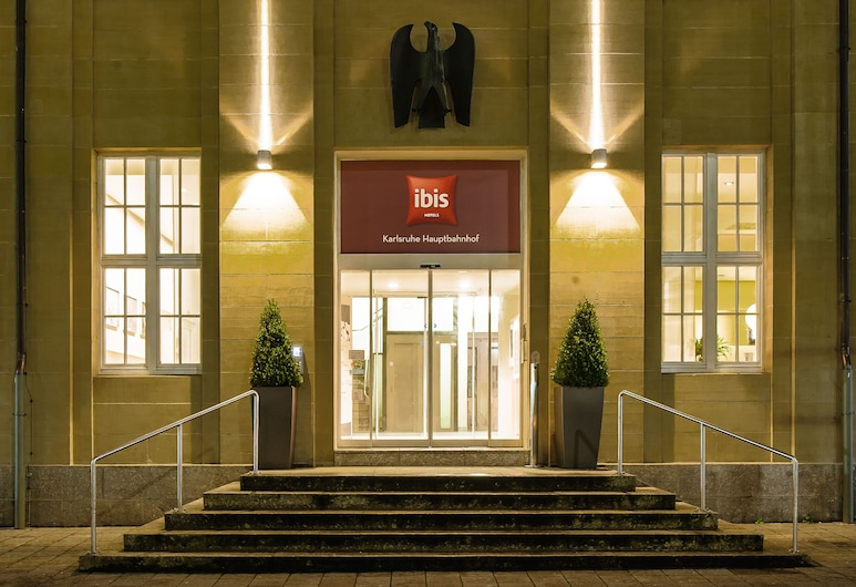 ibis Karlsruhe Hauptbahnhof, Karlsruhe, Hotel Entrance