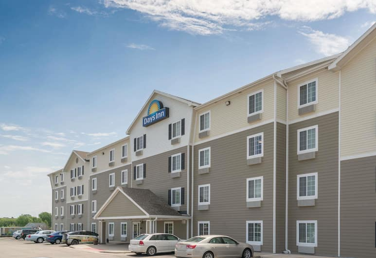 Days Inn & Suites by Wyndham Rochester Mayo Clinic South, Rochester