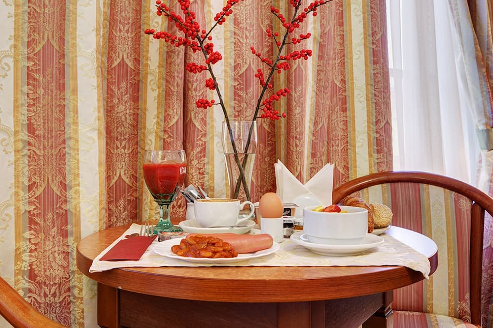 Standard Double Room - In-Room Dining