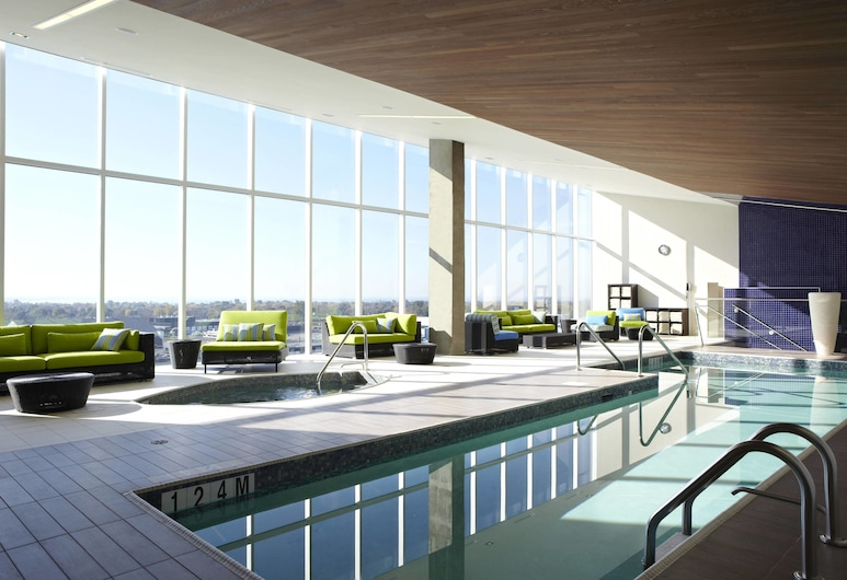Montreal Airport Marriott In-Terminal Hotel, Dorval, Pool