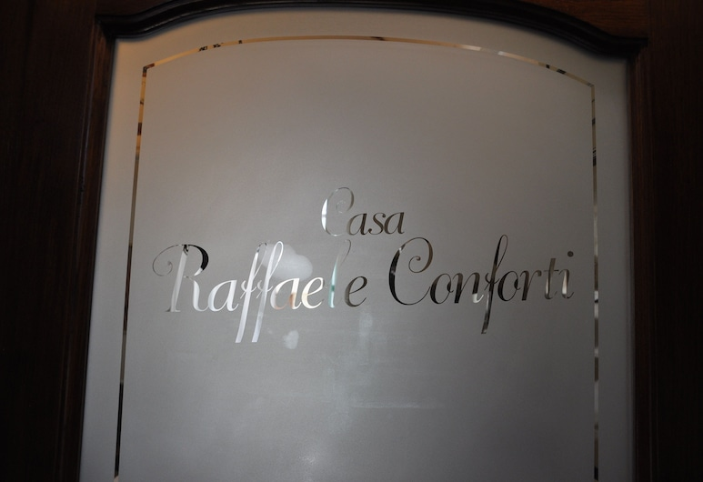 Casa Raffaele Conforti, Майори, Интерьер, вход