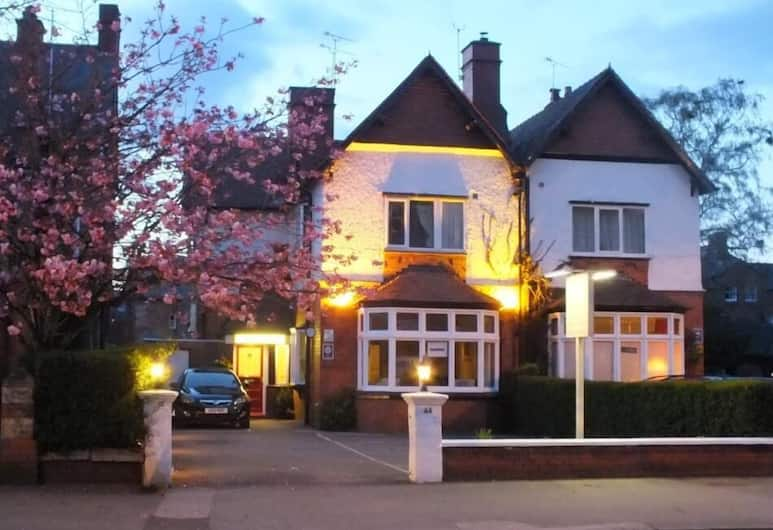 Chester House Guest House, Chester, Hotel Front – Evening/Night