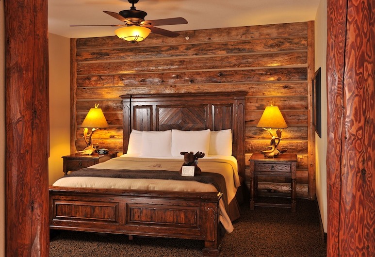 Stoney Creek Hotel Sioux City, Sioux City, Superior Suite, 1 King Bed with Sofa bed, Hot Tub, Guest Room