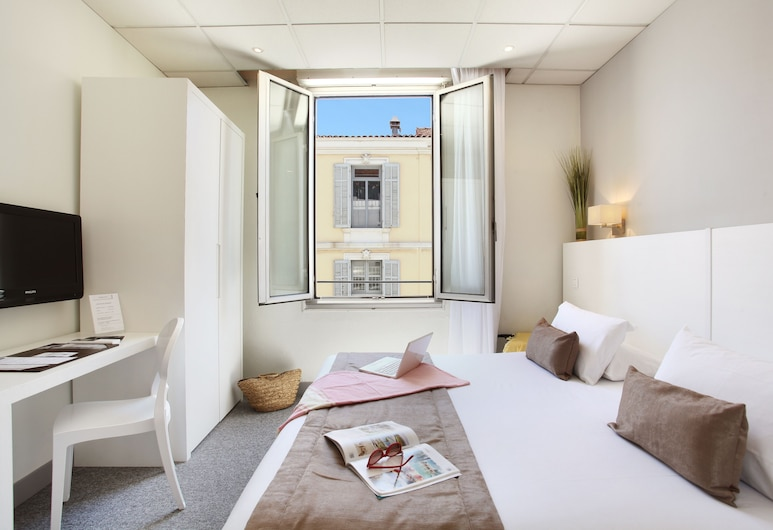 Hotel PLM, Cannes