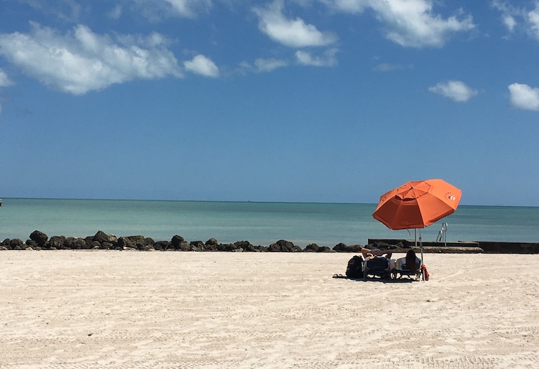 Avalon Bed & Breakfast, Key West, Beach