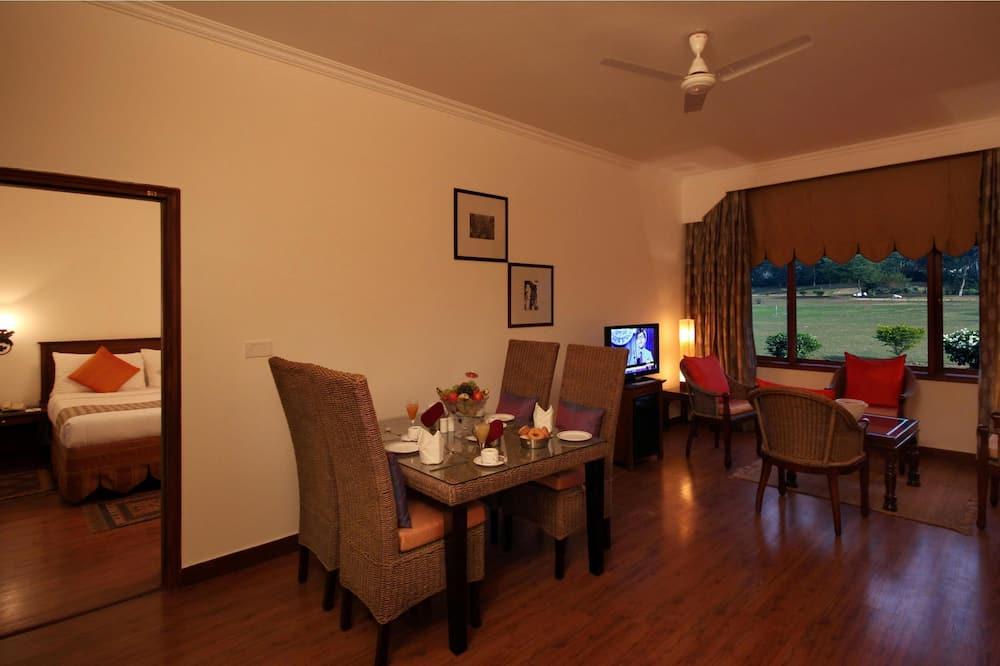 Habitación Deluxe, 1 cama King size - Servicio de comidas en la habitación