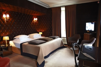 Picture of Hotel Particulier Montmartre in Paris