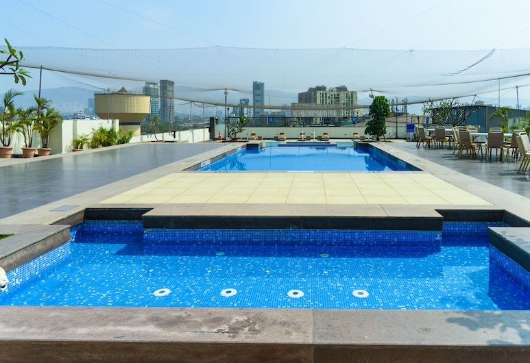 Four Points by Sheraton Navi Mumbai, Vashi, Navi Mumbai, Outdoor Pool
