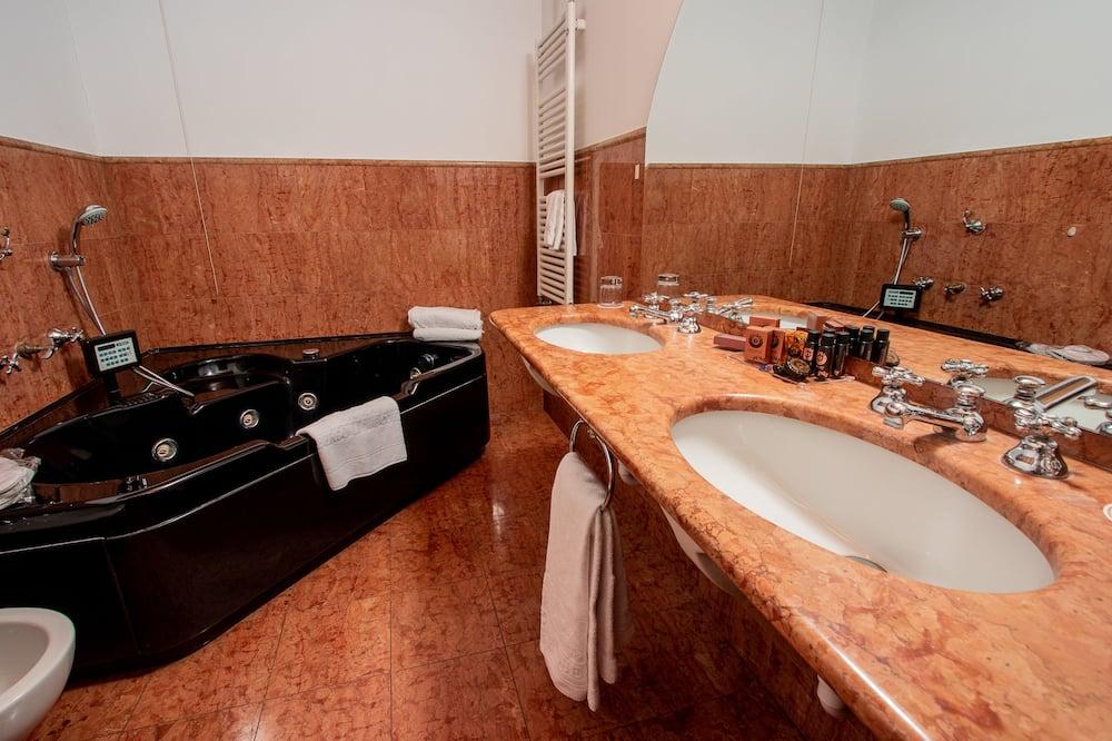 Pokój dwuosobowy z 1 lub 2 łóżkami typu Superior, 1 sypialnia - Łazienka