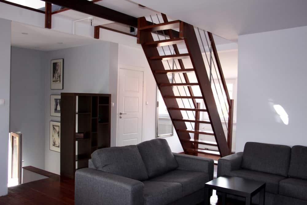 Apartament (mezzanine) - Salon