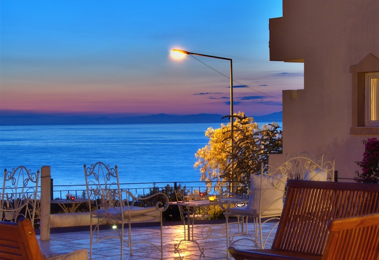 Hotel Carina, Kuşadası, Teras/Veranda
