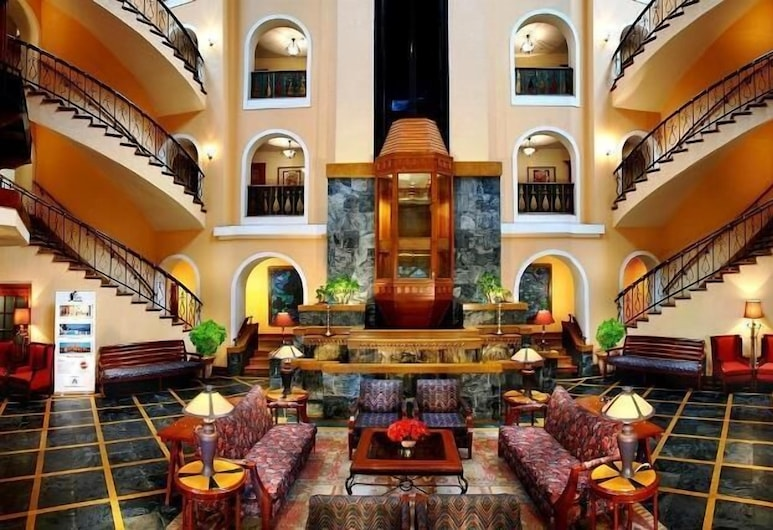 Fortune Resort Sullivan Court-Member ITC Hotel Group, Udhagamandalam, Lobi