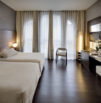 Picture of Hotel Barcelona Colonial in Barcelona