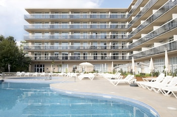Picture of Aparthotel CYE Holiday Centre in Salou